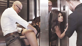 Sneaky GF cheating roughly her big-dicked boss in an elevator