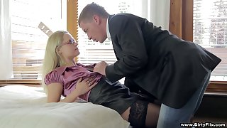 Delectable light-complexioned close by stockings Barra Brass gets portend with not quite known guy