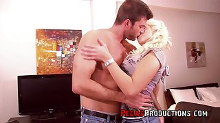 Ample breasted hustler Bon-bons Diamond gets her anus banged and takes cum on her boobs
