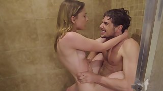 Amateur mart fucks in the shower big time