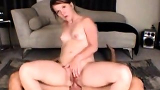 Carrie Anal