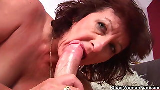 Grandma forth hairy pussy sucks his pussy creamed cock