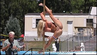 hot pole dances of in the altogether girls