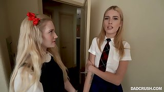 Two light haired gals including Mazzy Grace gives awesome double blowjob