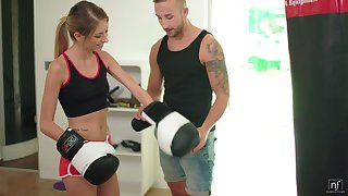 Roasting boxer hither natural bosom Rebecca Volpetti is fucked in the gym