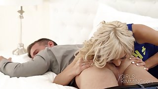 Gold wife Lola Shine gives a rimjob and blowjob to her workaholic husband