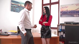 Lustful wordsmith Veronika masturbates pussy in slay rub elbows with boss's post
