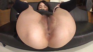 Sexy Japanese schoolgirl farting