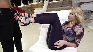 Blond temptress Cherry Kiss takes cumshots essentially feet stub hardcore anal sex