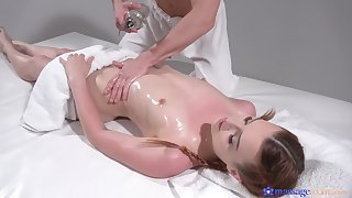 Oiled ass babe loves afar knead with a happy annul